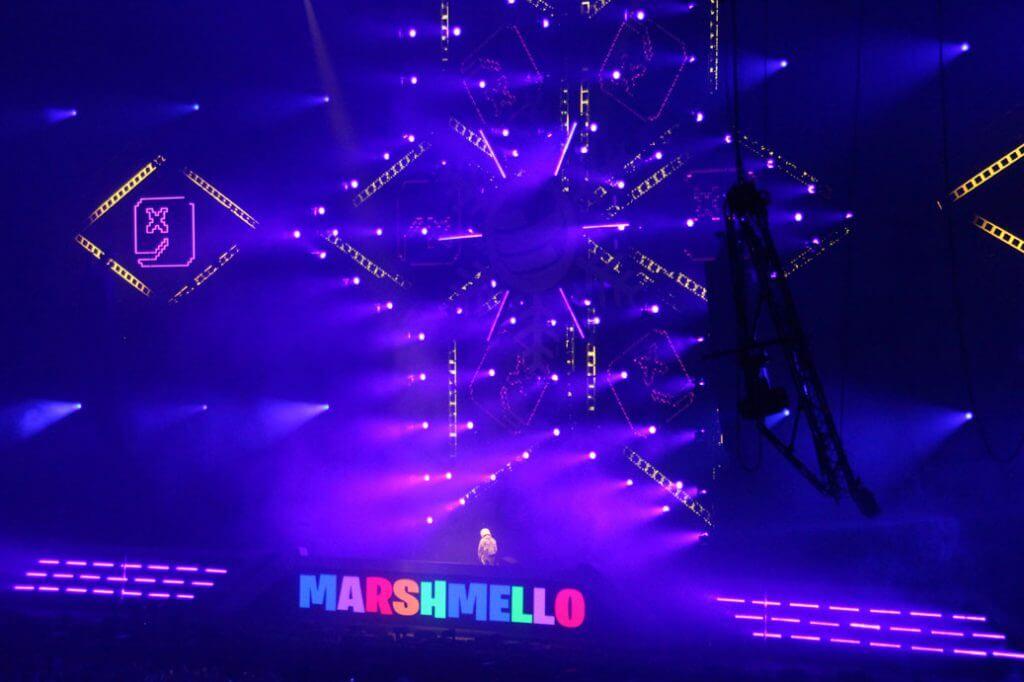 Marshmello-Bühne-weiter-weg